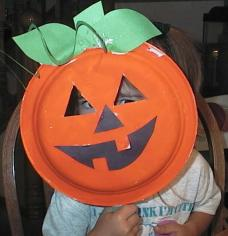finished paper plate pumpkin craft
